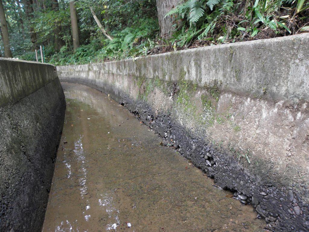 表面被覆工事、ガイメックモルタル工法(富山県朝日町)
